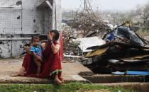 인도 초대형 사이클론 '파니' 긴급구호