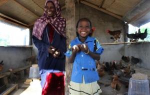 아프리카 여성들에게 닭이란?